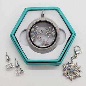Origami Owl Silver Crystal Snowflake locket set